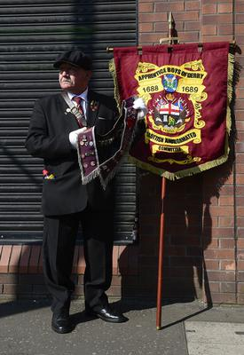 PACEMAKER BELFAST 22/04/2019 The Apprentice Boys annual Easter Monday parade in East Belfast. Willy Sneddon from Greens Mouth in Scotland get ready for the parade in Belfast. Picture By: Arthur Allison/Pacemaker Press
