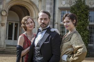 Undated ITV Handout Photo from MR SELFRIDGE. Pictured: JEREMY PIVEN as Harry Selfridge, KARA TOINTON as Rosalie Selfridge and HANNAH TOINTON as Viloette Selfridge. See PA Feature TV Piven. Picture Credit should read: PA Photo/ITV. WARNING: This picture must only be used to accompany PA Feature TV Piven. WARNING: This photograph is (C) ITV Plc and can only be reproduced for editorial purposes directly in connection with the programme or event mentioned above, or ITV plc. Once made available by ITV plc Picture Desk, this photograph can be reproduced once only up until the transmission [TX] date and no reproduction fee will be charged. Any subsequent usage may incur a fee. This photograph must not be manipulated [excluding basic cropping] in a manner which alters the visual appearance of the person photographed deemed detrimental or inappropriate by ITV plc Picture Desk. This photograph must not be syndicated to any other company, publication or website, or permanently archived, without the express written permission of ITV Plc Picture Desk. Full Terms and conditions are available on the website www.itvpictures.com