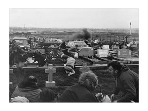 Michael Stone attacks a funeral in Milltown Cemetery