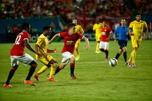 Ander Herrera #21 of Manchester United battles for the ball against Liverpool in the Guinness International Champions Cup 2014 Final at Sun Life Stadium on August 4, 2014 in Miami Gardens, Florida.  (Photo by Chris Trotman/Getty Images)