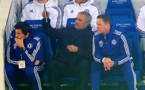 "Chelsea manager Jose Mourinho (cenrtre) with assistants Rui Faria (left) and Steve Holland on the touchline during the Barclays Premier League match at The King Power Stadium, Leicester. PRESS ASSOCIATION Photo. Picture date: Monday December 14, 2015. See PA story SOCCER Leicester. Photo credit should read: Mike Egerton/PA Wire. RESTRICTIONS: EDITORIAL USE ONLY No use with unauthorised audio, video, data, fixture lists, club/league logos or ""live"" services. Online in-match use limited to 75 images, no video emulation. No use in betting, games or single club/league/player publications."