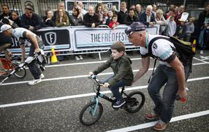 Kids enjoy the fun during the slow bike race during the culture night in Belfast city centre.  Picture by Peter Morrison