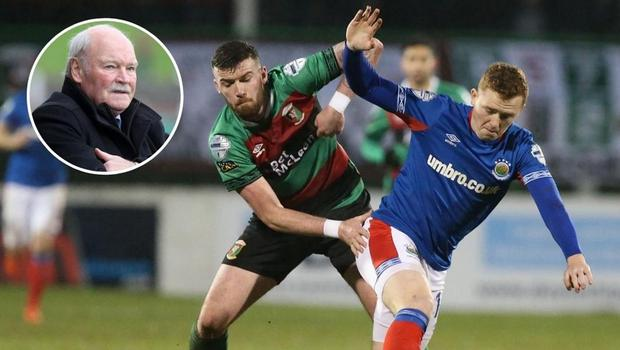 Former Glentoran boss Ronnie McFall is predicting a return to the days of Linfield and the Glens battling for the top trophies.
