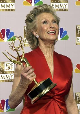 Cloris Leachman shows off her Emmy for outstanding guest actress in a comedy series for her role in Malcom In The Middle (Reed Saxon/AP)