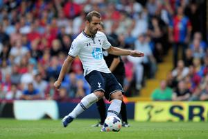 LONDON, ENGLAND - AUGUST 18:  Roberto Soldado of Tottenham Hotspur scores from the penalty spot during the Barclays Premier League match between Crystal Palace and Tottenham Hotspur at Selhurst Park on Augsut 18, 2013 in London, England.  (Photo by Jamie McDonald/Getty Images)