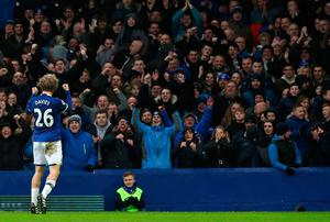 "Everton's Tom Davies celebrates scoring his side's third goal during the Premier League match at Goodison Park, Liverpool. PRESS ASSOCIATION Photo. Picture date: Sunday January 15, 2017. See PA story SOCCER Everton. Photo credit should read: Peter Byrne/PA Wire. RESTRICTIONS: EDITORIAL USE ONLY No use with unauthorised audio, video, data, fixture lists, club/league logos or ""live"" services. Online in-match use limited to 75 images, no video emulation. No use in betting, games or single club/league/player publications."