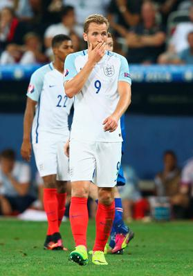 NICE, FRANCE - JUNE 27:  Harry Kane of England reacts during the UEFA EURO 2016 round of 16 match between England and Iceland at Allianz Riviera Stadium on June 27, 2016 in Nice, France.  (Photo by Alex Livesey/Getty Images)