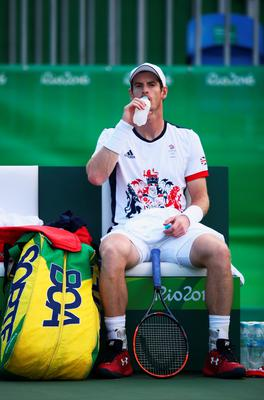 RIO DE JANEIRO, BRAZIL - AUGUST 12:  Andy Murray of Great Britain sits during a break against Steve Johnson of the United States in the Men's Singles Quarterfinal on Day 7 of the Rio 2016 Olympic Games at the Olympic Tennis Centre on August 12, 2016 in Rio de Janeiro, Brazil.  (Photo by Mark Kolbe/Getty Images)Andy Murray of Great Britain  (Photo by Mark Kolbe/Getty Images)