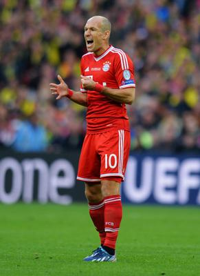LONDON, ENGLAND - MAY 25:  Arjen Robben of Bayern Muenchen reacts during the UEFA Champions League final match between Borussia Dortmund and FC Bayern Muenchen at Wembley Stadium on May 25, 2013 in London, United Kingdom.  (Photo by Shaun Botterill/Getty Images)