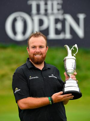 PORTRUSH, NORTHERN IRELAND - JULY 21: Open Champion Shane Lowry of Ireland celebrates with the Claret Jug on the 18th green during the final round of the 148th Open Championship held on the Dunluce Links at Royal Portrush Golf Club on July 21, 2019 in Portrush, United Kingdom. (Photo by Stuart Franklin/Getty Images)