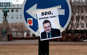 REYKJAVIK, ICELAND - APRIL 5: A picture mimicking Prime Minister Sigmundur David Gunnlaugsson is seen near the Icelandic Parliament building in downtown Reykjavik as the Prime Minister faces a vote of no confidence following the Panama Papers leak on April 5, 2016 in Reykjavik, Iceland. President îlafur Ragnar Grmsson is to meet with the leaders of all the governmental parties of Iceland today after news broke on Sunday that Prime Minister Sigmundur David Gunnlaugsson hid assets in an offshore shell-company whose existence was revealed in the Panama Papers leak. Numerous leaders around the world as well as wealthy individuals have been caught-up in the developing scandal. (Photo by Spencer Platt/Getty Images)