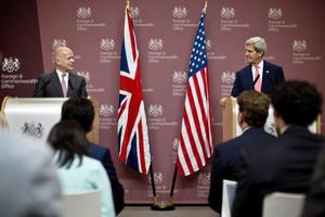 LONDON, ENGLAND - SEPTEMBER 09:  Britain's Foreign Secretary William Hague and US secretary of State John Kerry (R) attend a press conference at the the Foreign and Commonwealth Office on September 9, 2013 in London, England.  Secretary of State John Kerry who's on a two-day visit to London renewed U.S. allegations that Syria's President Bashar Assad launched a chemical weapons attack against his own people.  (Photo by David Bebber - WPA Pool/Getty Images)