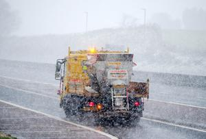 Press Eye - Belfast - Northern Ireland - 16th January 2018  Vehicles on the M1 outside Belfast as the Met Office upgrades its warning for snow and ice from yellow to amber across Northern Ireland.   Picture by Jonathan Porter/PressEye