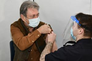 Alan Titchmarsh receiving his Covid-19 vaccine (Ross Turner/PA)