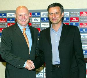 File photo dated 02/06/2004 of Jose Mourinho (right) with Chief Executive Peter Kenyon. PRESS ASSOCIATION Photo. Issue date: Monday June 3, 2013. Chelsea have confirmed Jose Mourinho as their new manager on a four-year contract. See PA story SOCCER Chelsea. Photo credit should read: Andrew Parsons/PA Wire