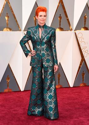 Sandy Powell arrives at the Oscars on Sunday, Feb. 28, 2016, at the Dolby Theatre in Los Angeles. (Photo by Jordan Strauss/Invision/AP)