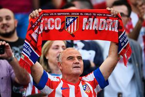MADRID, SPAIN - APRIL 12: Athletico Madrid fan shows his support during the UEFA Champions League Quarter Final first leg match between Club Atletico de Madrid and Leicester City at Vicente Calderon Stadium on April 12, 2017 in Madrid, Spain.  (Photo by David Ramos/Getty Images)