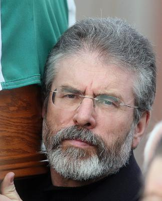Pacemaker press 20/2/08  Gerry Adams carries coffin of Former IRA hunger striker. Pic Colm Lenaghan / Pacemaker