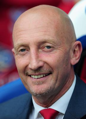 LONDON, ENGLAND - AUGUST 18:  Crystal Palace manager Ian Holloway looks on ahead of the Barclays Premier League match between Crystal Palace and Tottenham Hotspur at Selhurst Park on Augsut 18, 2013 in London, England.  (Photo by Jamie McDonald/Getty Images)