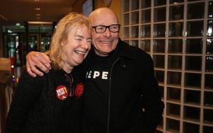 ©Press Eye - Belfast - Northern Ireland - 3 March 2017 - NI Assembly Election 2017 Count at Foyle Arena in Derry for Foyle and East Londonderry constituencies.  Eamonn McCann, People Before Profit Alliance, and partner Goretti Horgan, pictured at the count.   Photo by Lorcan Doherty / Press Eye.