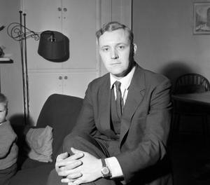 File photo dated 11/04/61 of Tony Benn. The veteran politician died at home today at the age of 88, his family said in a statement. PRESS ASSOCIATION Photo. Issue date: Friday March 14, 2014. See PA story DEATH Benn. Photo credit should read: PA Wire