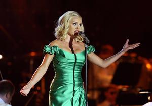 Mezzo soprano superstar Katherine Jenkins lights up the stage at BBC Proms in the Park live from the Titanic Slipways in Belfast.