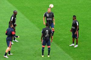 Bordeaux's players warm up during a training session before the group B, UEFA Europa League football match between Bordeaux vs Liverpool on September 17, 2015 at the Matmut Atlantique Stadium in Bordeaux.  AFP PHOTO / MEHDI FEDOUACHMEHDI FEDOUACH/AFP/Getty Images