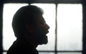 PACEMAKER BELFAST, 22/10/2001:  Gerry Adams tells the Sinn Fein party faithful in Conway Mill, Belfast today that he has recommended to the IRA that they start to decommission their arms to save the peace process.  PICTURE BY STEPHEN DAVISON