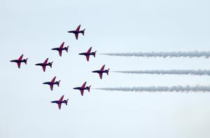 Press Eye - Belfast - Northern Ireland - 3rd September 2016 -   The Red Arrows perform at the Air Waves Portrush, Northern Ireland International Airshow. Organised by Causeway Coast and Glens Borough Council, over 100,000 spectators descended upon PortrushÕs eastern shoreline for two days of flying displays by some of the worldÕs most famous aviation attractions.  Photo by Kelvin Boyes / Press Eye