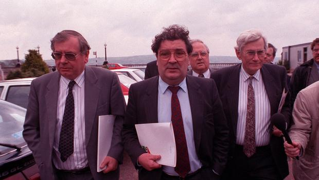 PACEMAKER BELFAST ARCHIVE 91  30 APRIL 1991 577/91  FIRST DAY OF STORMONT TALKS  SDLP PARTY  JOE HENDRON (L), JOHN HUME (C), EDDIE MCGRADDY (R), SEAMUS MALLON (FR)