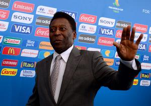 COSTA DO SAUIPE, BRAZIL - DECEMBER 06:  Pele waves as he arrives for the Final Draw for the 2014 FIFA World Cup Brazil at Costa do Sauipe Resort on December 6, 2013 in Costa do Sauipe, Bahia, Brazil.  (Photo by Buda Mendes/Getty Images)