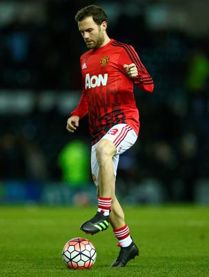 uan Mata of Manchester United warms up prior to the Emirates FA Cup fourth round match between Derby County and Manchester United at iPro Stadium on January 29, 2016 in Derby, England.  (Photo by Clive Mason/Getty Images)