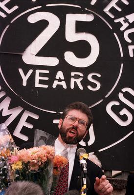 PACEMAKER BELFAST. Gerry Adams at Connally House addressing the media about the IRA ceasefire. 31/8/94. 684/94/c