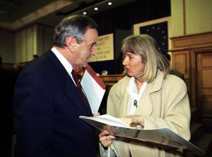File Pics Albert Reynolds Has Died. JOURNALIST EMILY O REILLY WITH TAOISEACH ALBERT REYNOLDS DURING THE MAASTRICHT CAMPAIGN. 1992 PIC PHOTOCALL IRELAND