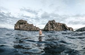 Henry O'Donnell ( Anrí Ó Domhnaill ) in training off the coast of Tory Island in preparation for his expedition to Finswim around the Island of Ireland. Photo: Rory O'Donnell