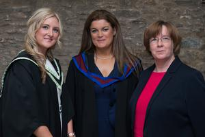 No Fee for reproduction Carlann Knox, left, who has received The Law Society of Northern Ireland Prize for Skills pictured with Anne Devlin, right, from the Law Society and Diane Nixon, Head of the Graduate School of Professional Legal Education at the Ulster University. PIcture Martin McKeown. Inpresspics.com. 29.06.15