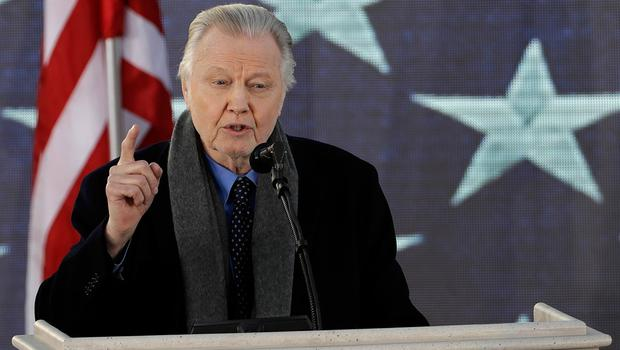 """Actor Jon Voight speaks during a pre-Inaugural """"Make America Great Again! Welcome Celebration"""" at the Lincoln Memorial in Washington, Thursday, Jan. 19, 2017. (AP Photo/David J. Phillip)"""