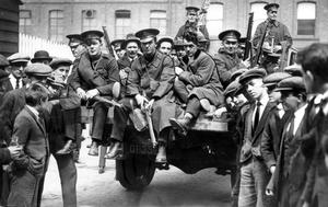 RIOTS: BELFAST 1922. Another batch of prisoners ready for their drive in the open 'Black Maria'. 22/05/22. 1922-161.
