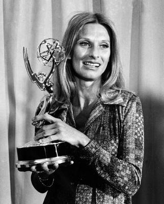 Cloris Leachman poses with her Emmy award for outstanding single performance by an actress in A Brand New Life, in 1975 (AP)