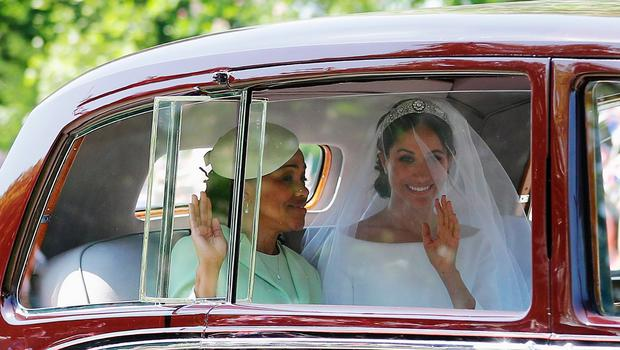 WINDSOR, ENGLAND - MAY 19: Meghan Markle (R) with her mother Doria Ragland drive down the Long Walk as they arrive at Windsor Castle ahead of her wedding to Prince Harry on May 19, 2018 in Windsor, England.  (Photo by Richard Heathcote/Getty Images)