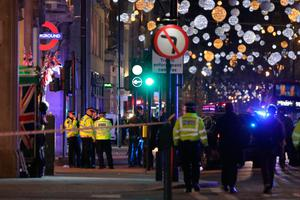 """Police set up a cordon outside Oxford Circus underground station as they respond to an incident in central London on November 24, 2017. British police said they were responding to an """"incident"""" at Oxford Circus in central London on Friday and have evacuated the Underground station, in an area thronged with people on a busy shopping day. / AFP PHOTO / Daniel LEAL-OLIVASDANIEL LEAL-OLIVAS/AFP/Getty Images"""