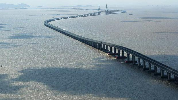 A bridge between Northern Ireland and Scotland would have to be longer than the 20-mile Donghai Bridge in China