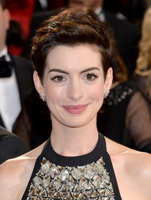 HOLLYWOOD, CA - MARCH 02:  Actress Anne Hathaway attends the Oscars held at Hollywood & Highland Center on March 2, 2014 in Hollywood, California.  (Photo by Michael Buckner/Getty Images)