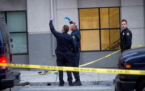 Police examine the scene of a balcony collapse in Berkeley, Calif. on Tuesday, June 16, 2015 (AP Photo/Noah Berger)