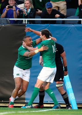 CHICAGO, IL - NOVEMBER 05:  Simon Zebo (L) of Ireland celebrates with teammate Jonny Sexton after scoring his team's fourth try during the international match between Ireland and New Zealand at Soldier Field on November 5, 2016 in Chicago, United States.  (Photo by Phil Walter/Getty Images)