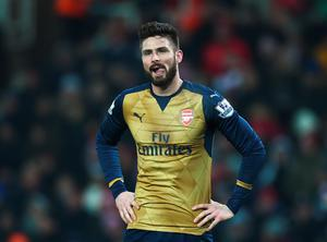 Olivier Giroud of Arsenal reacts during the Barclays Premier League match between Stoke City and Arsenal at Britannia Stadium on January 17, 2016 in Stoke on Trent, England.  (Photo by Laurence Griffiths/Getty Images)
