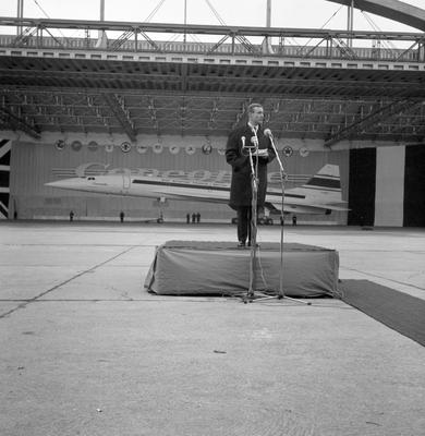 File photo dated 11/12/67 of Tony Benn speaking in front of the first prototype CONCORDE. The veteran politician died at home today at the age of 88, his family said in a statement.PRESS ASSOCIATION Photo. Issue date: Friday March 14, 2014. See PA story DEATH Benn. Photo credit should read: PA/PA Wire