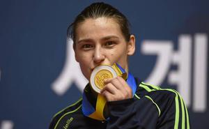 Boxer Katie Taylor with her AIBA World Elite gold medal