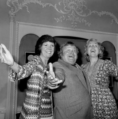 (Left to right) Cilla Black, Harry Secombe and Dame Vera Lynn at the Variety Club of Great Britain luncheon thanking the British Record industry for its contribution to the club's work for children's charities in 1971. PA Wire.