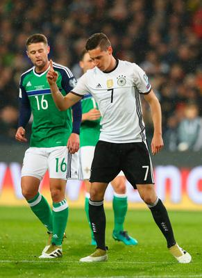 HANOVER, GERMANY - OCTOBER 11:  Julian Draxler of Germany celebrates scoring his sides first goal during the FIFA 2018 World Cup Qualifier between Germany and Northern Ireland at HDI-Arena on October 11, 2016 in Hanover, Lower Saxony.  (Photo by Martin Rose/Bongarts/Getty Images)